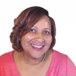 Ileane Smith is an influential blogger who provides free tips to help her readers improve relationships with their own audiences to maximize online earnings.
